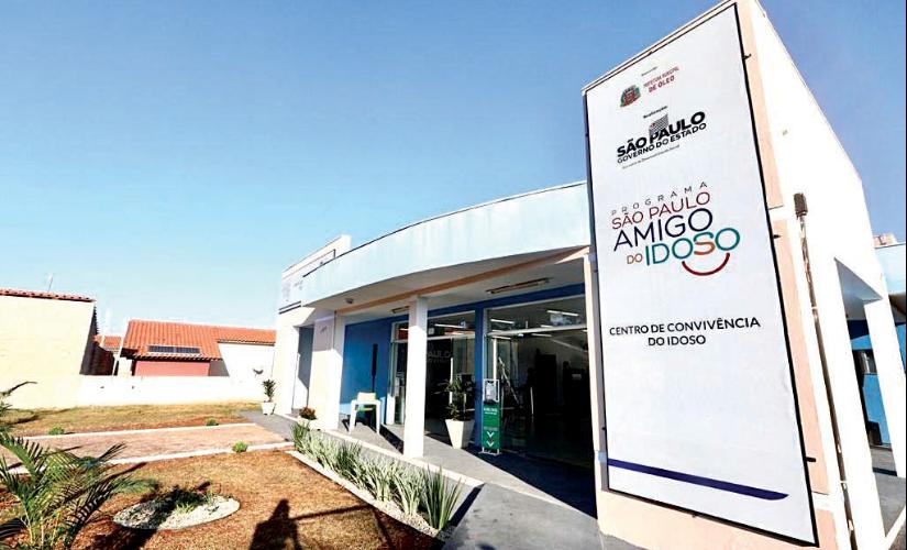 Com presença de vice-governador, Óleo inaugura centro para idosos