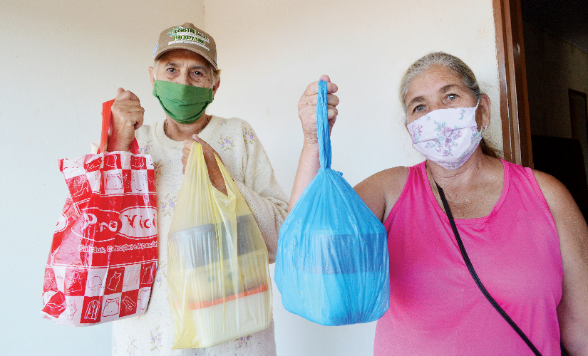 Ação social atende carentes e moradores de rua em São Pedro do Turvo
