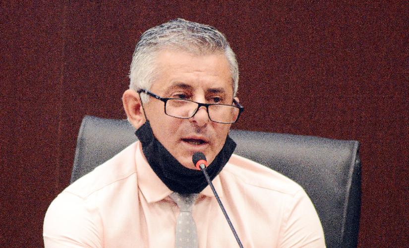 'Se tiver vacina, Diego vai vacinar a população inteira', diz líder do governo