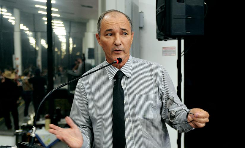 Edvaldo sai do ostracismo e assumirá a controversa pasta de Assuntos Jurídicos