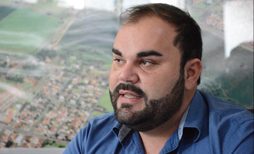 Diego devolve verba de R$ 245 mil para merenda depois de um ano sem dar benefício a alunos carentes