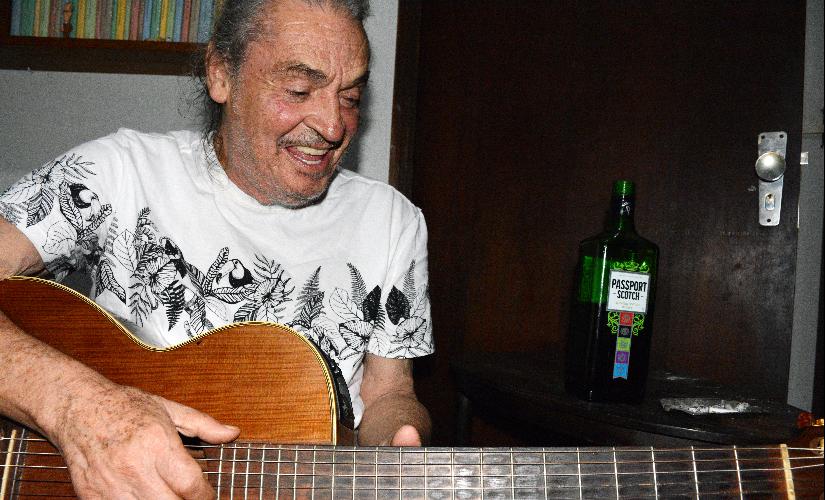 Vasco Debritto sem censura: músico teve músicas vetadas e conheceu Tom Jobim