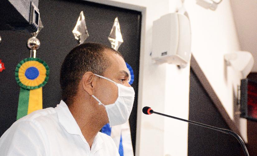 Juninho Souza tomou primeira dose hoje, logo após denúncias de emissora de rádio
