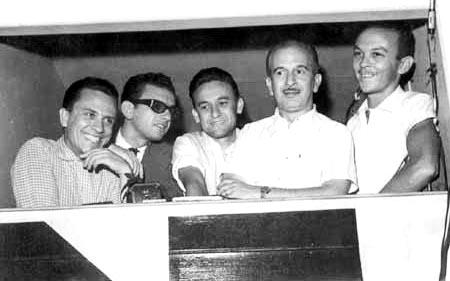 Em 1957, num torneio de seleções em Buenos Aires, estão Luiz Amaral, Roberto Petri, Ávila Machado, Oduvaldo Cozzi e Walter Mello