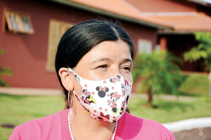 Letícia Aparecida Soares, que hoje trabalha voluntariamente na organização