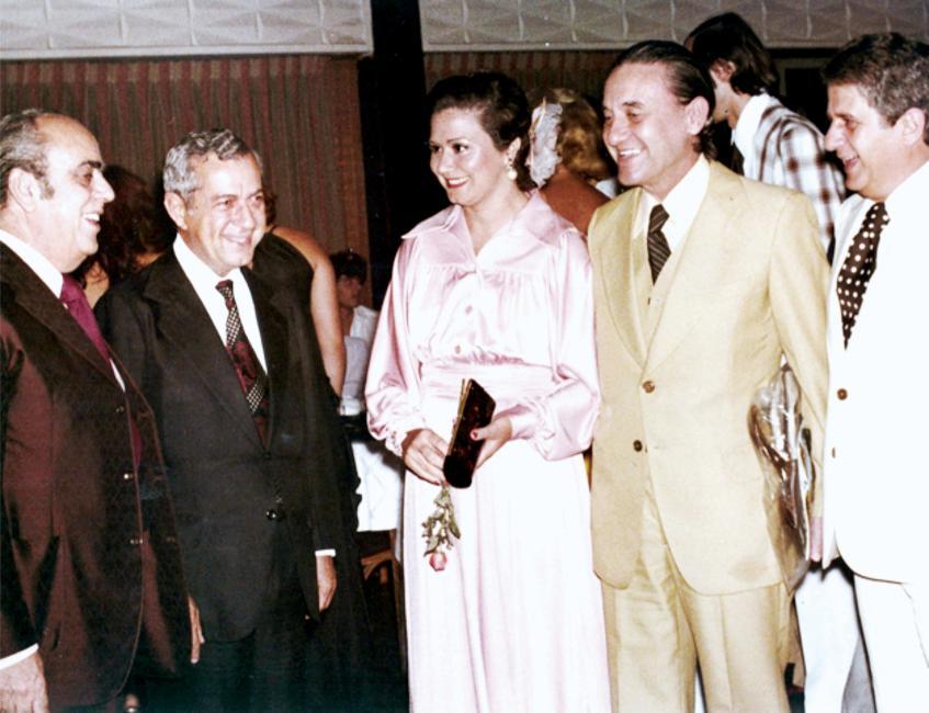 RESPEITO — Ávila Machado e sua segunda mulher, Antônia, num evento com a presença do governador Laudo Natel nos anos 1970