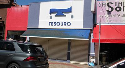 """17729ca6f874b A ótica Tesouro fica no """"calçadão"""", o centro comercial de Santa Cruz"""