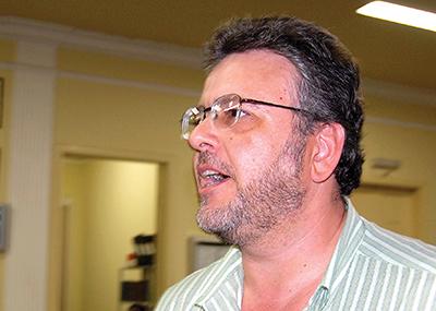 """Ricardo Moral estava hospedado no """"5 estrelas"""" junto com o então prefeito Mira"""
