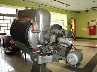 'MUSEU' — Antigo projetor está exposto no saguão do Palácio da Cultura e já virou peça de museu