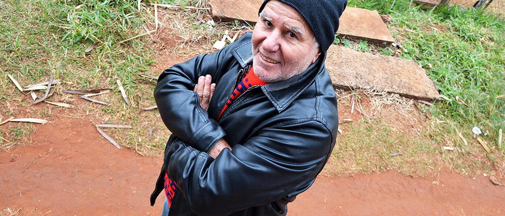 """PAIXÃO — Antônio Bianchi, o """"Futrica"""", passou grande parte de sua vida dentro de um campo de futebol e lamenta declínio do esporte no Brasil"""