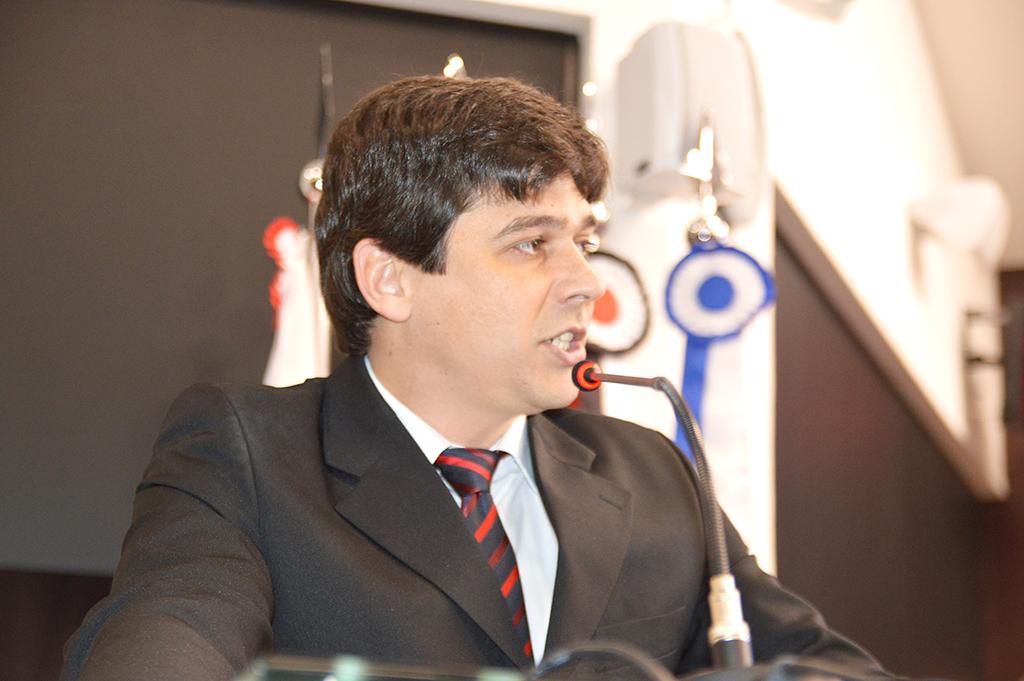 """""""GASTO DESNECESSÁRIO"""" — Murilo adverte que CPI vai querer contratar especialistas e que o fato seria gastar dinheiro desnecessariamente"""