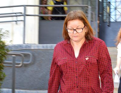 Sueli Feitosa, ex-tesoureira da prefeitura, ainda é servidora pública