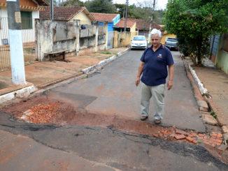 RECLAMAÇÃO — Antonio José diz que o buraco foi aberto há 90 dias e até agora ninguém tomou providência