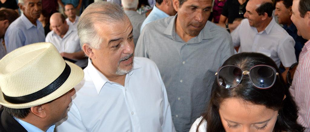 EM CAMPANHA — Vice-governador se reuniu com dezenas de políticos na tarde de sexta-feira, em Santa Cruz