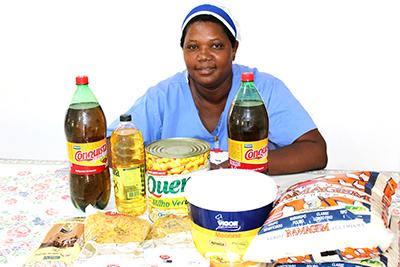 Tânia Lourenço promove um almoço tradicional na vila Divinéia