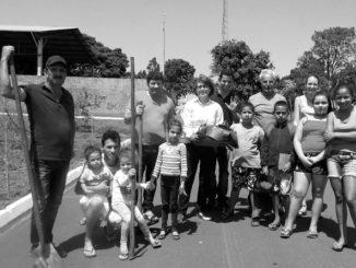 Grupo de moradores criou projeto para plantio de árvores no distrito