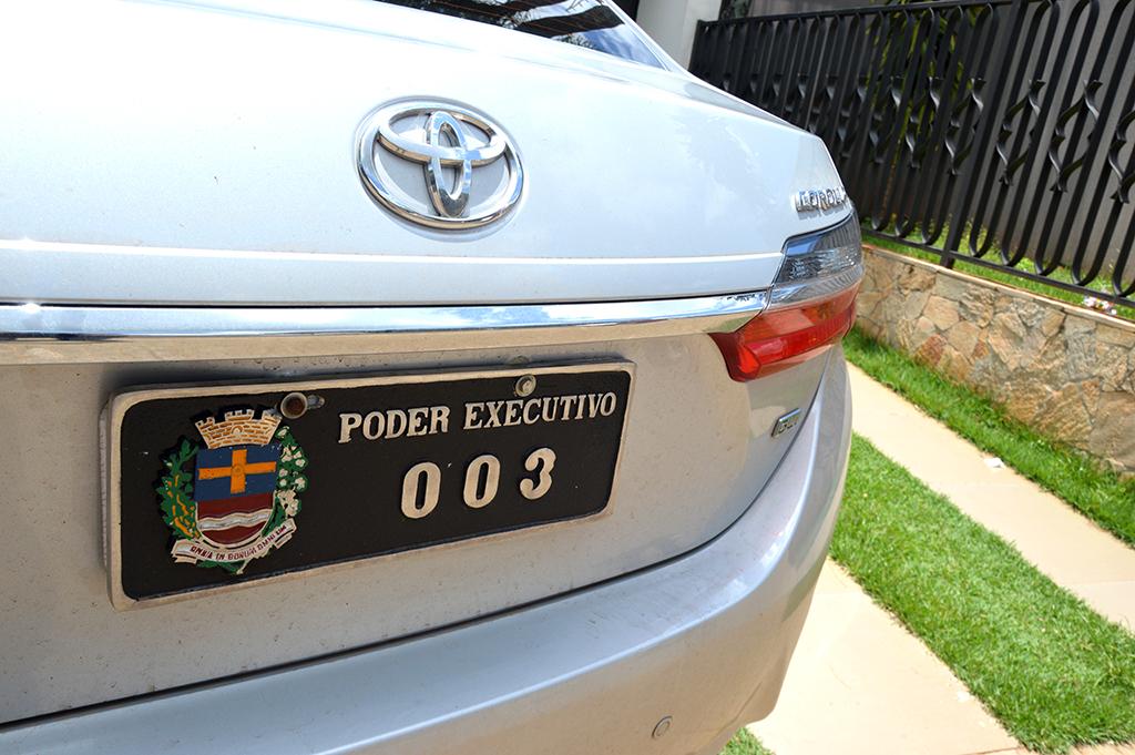 """O """"003"""" — Corolla ano 2017 é considerado """"top de linha"""" da Toyota"""