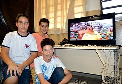 FUTEBOL — Estudantes pesquisaram sobre antigo campo de futebol