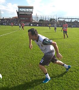 Neto avança pela lateral (foto: Cláudio Antoniolli)