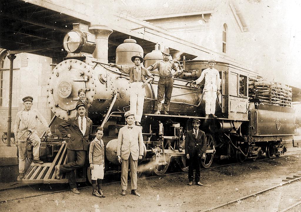 """Estação ferroviária da Sorocabana em Santa Cruz foi inaugurada em 1908, mas cidade deveria ser o início da """"Ferrovia do Peixe"""", que não saiu do papel"""