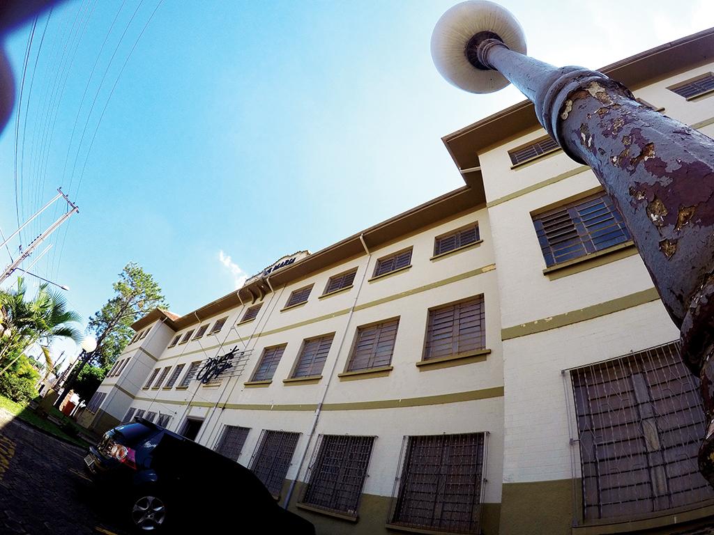 O MP considerou plenamente regular o uso do prédio da faculdade Oapec