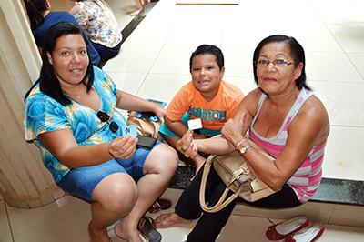 Luciana e a mãe foram três vezes à CPI para buscar RG do pequeno Marcelo