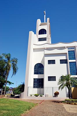 Lateral da Igreja de São Benedito, o maior templo católico de Santa Cruz