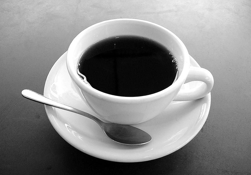 Excesso de café gera risco para pressão alta