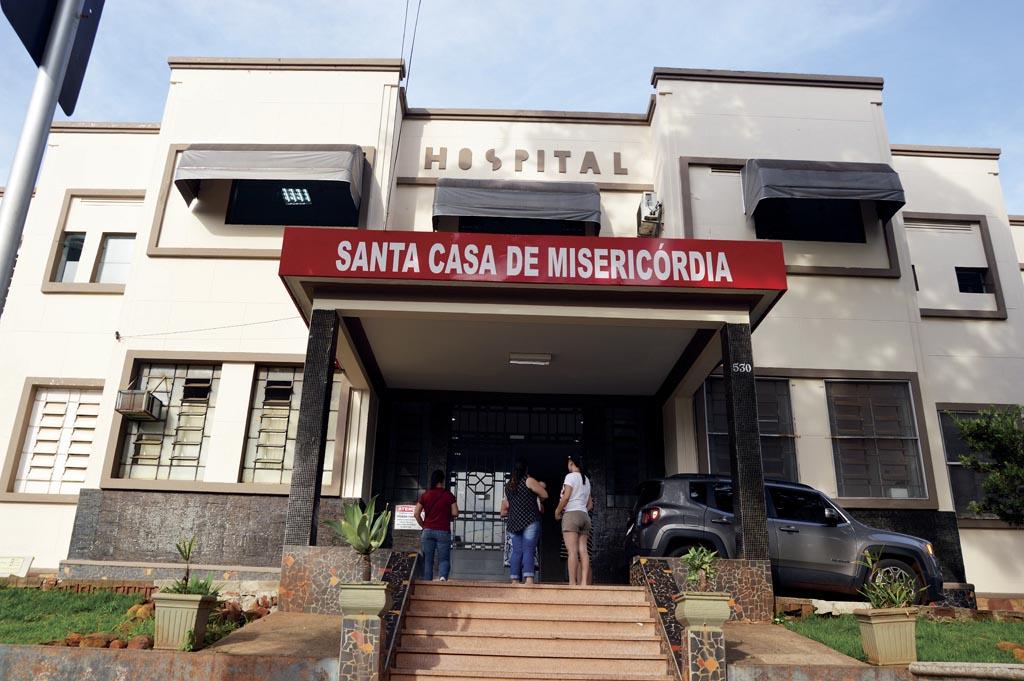 Médicos são readmitidos após intervenção que deve durar cinco anos