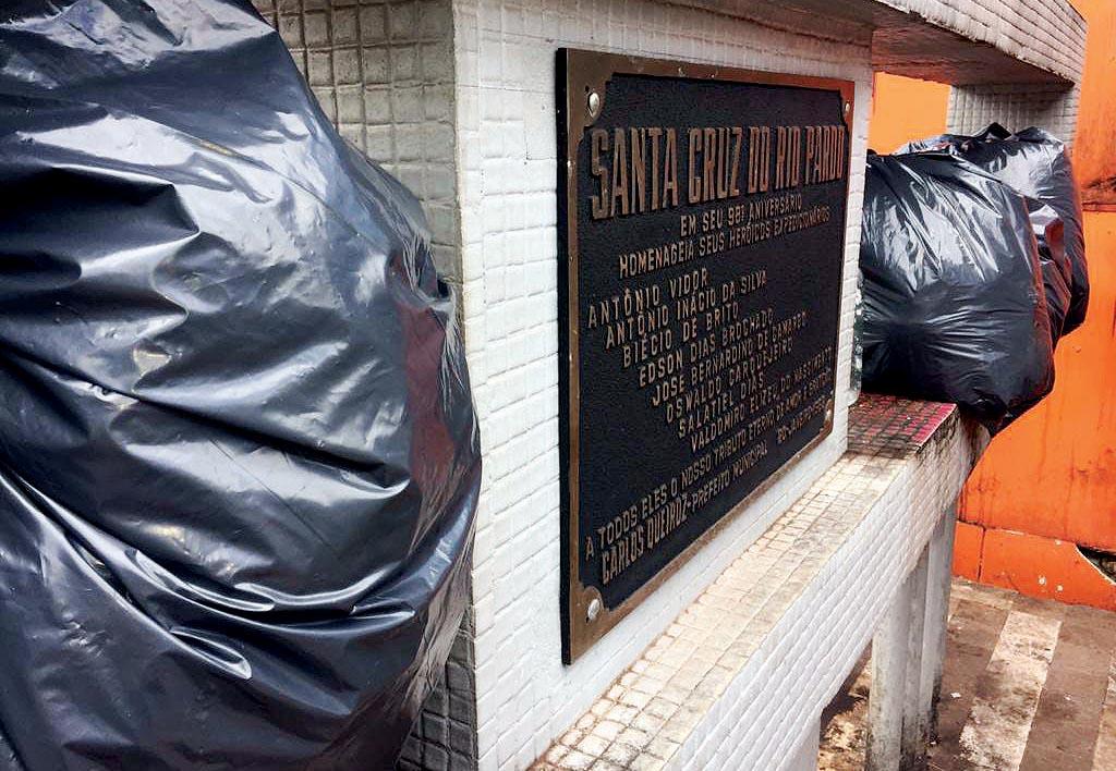 Prefeito suspende obra em monumento