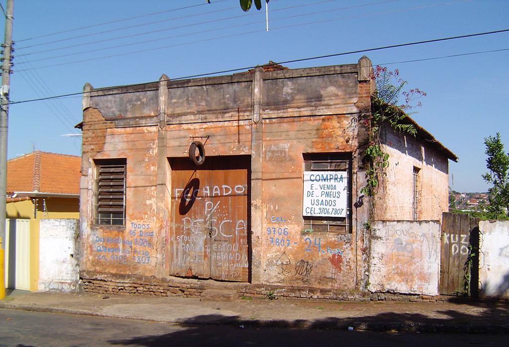 Fotos do Leitor: 'Borracharia do Kuzido