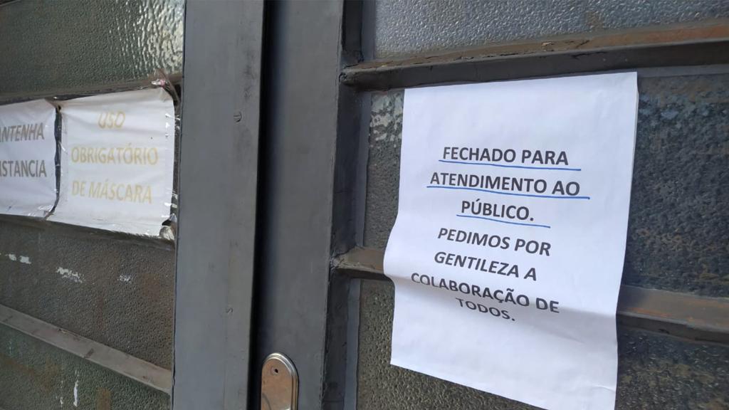 Bernardino fecha prefeitura por surto de covid; Ipaussu suspende bares e 'aperta' o comércio